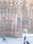 The violinist in front of the Strasbourg Cathedral