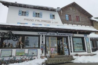 Passo Falzarego 2105 m